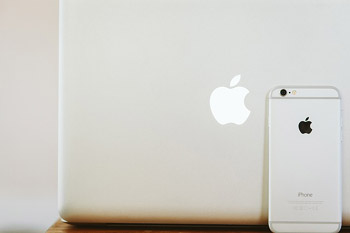 mac-933372_640